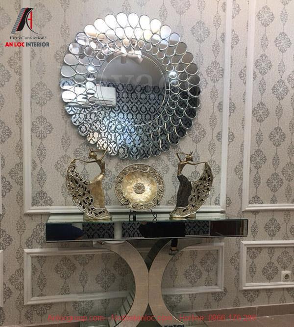 Gương trang trí phòng khách Peacock