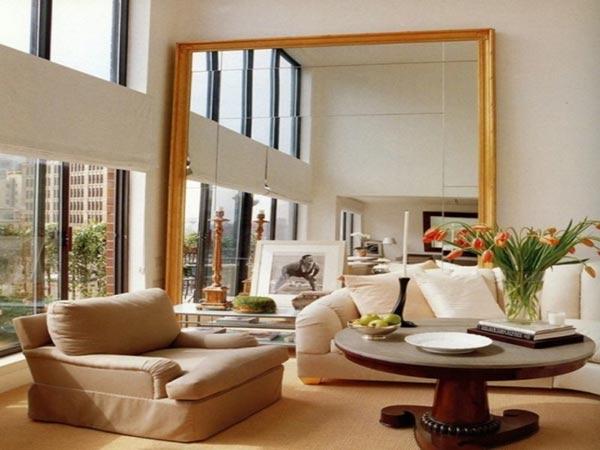 Gương to treo tường phòng khách