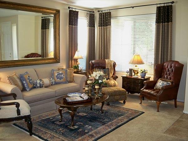 Gương treo tường phòng khách vuông góc với cửa sổ