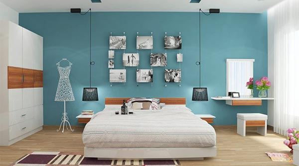 Nên đặt bàn và gương trang điểm song song với giường ngủ