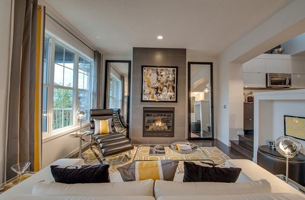 Gương treo tường phòng khách theo chiều dọc