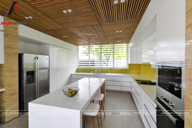 Thiết kế bếp đầy đủ tiện nghi giúp người nấu nướng thỏa sức sáng tạo ra những món ăn ngon