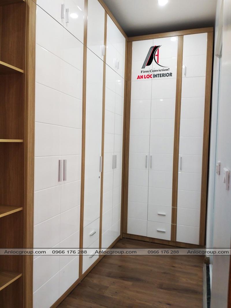 Tủ quần áo được bố trí trong khu vực riêng