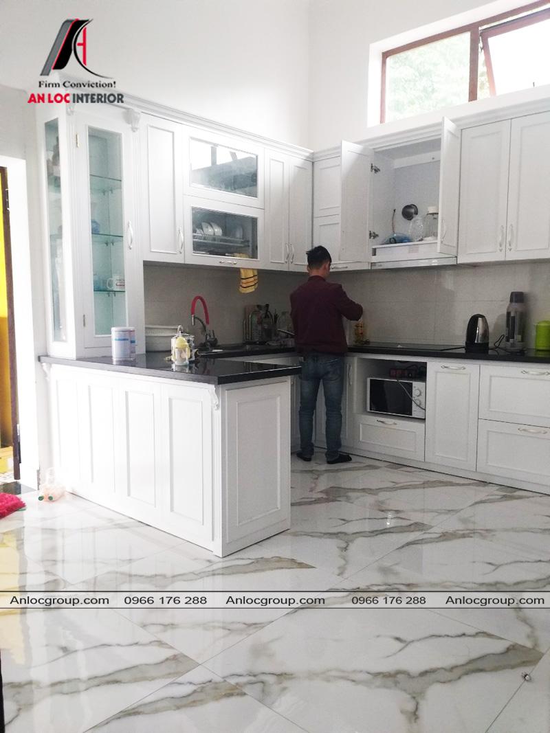 Thi công phòng bếp biệt thự