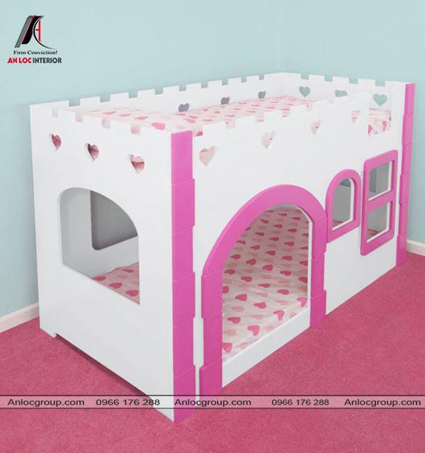 Mẫu 7 - Giường cho 2 bé gái có thiết kế như lâu đài