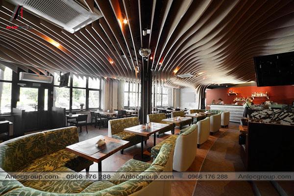 Mẫu 32 - Nhà hàng sang trọng hướng đến sự thoải mái cho khách hàng