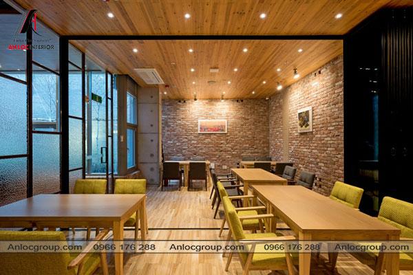 Mẫu 3 - Nội thất nhà hàng nhỏ nhưng lại thông thoáng tạo cảm giác không gian rộng rãi hơn