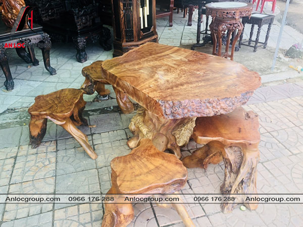 Bàn ghế gỗ xá xị