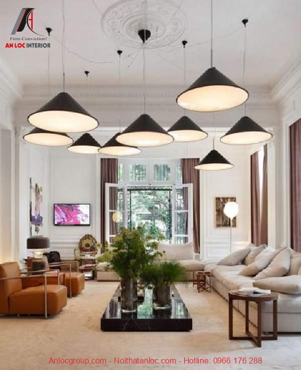 Mẫu 9: Đèn thả trần độc đáo với thiết kế lạ mắt cho không gian phòng khách