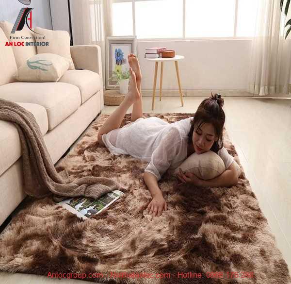 Màu sắc thảm lót sàn hài hòa với tổng thể không gian nội thất