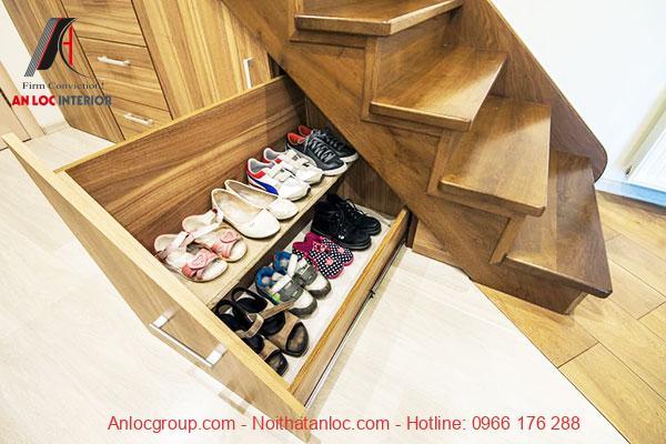 Mẫu 23 - Tủ giày âm tường từ gỗ gọn gàng