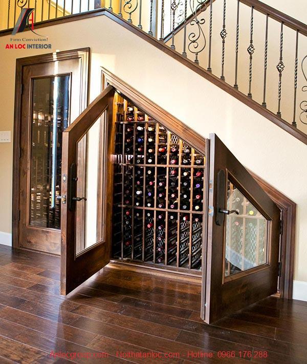 Mẫu 2 - Tủ rượu gầm cầu thang có cửa kính