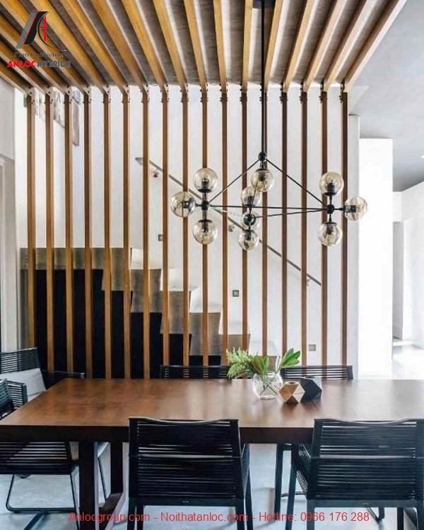 Vách ngăn gỗ cách điệu, đơn giản nhưng không kém phần sang trọng