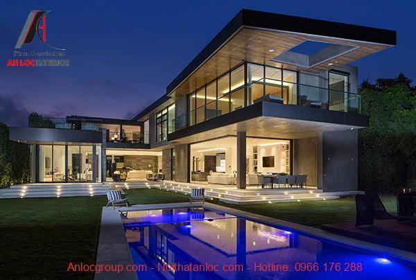Biệt thự kết hợp với hồ bơi ngoài trời tạo không gian thư giãn tinh tế
