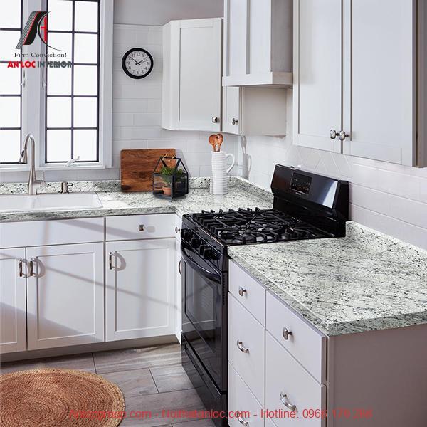 Vân đá granite trên bề mặt bếp
