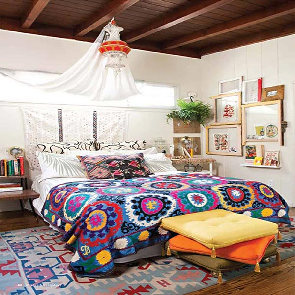 Phòng ngủ sử dụng tranh treo tường ấn tượng, hài hòa
