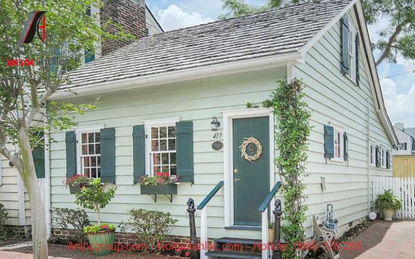 Mẫu nhà được xây dựng lâu năm với hạo tiết trang trí ấn tượng