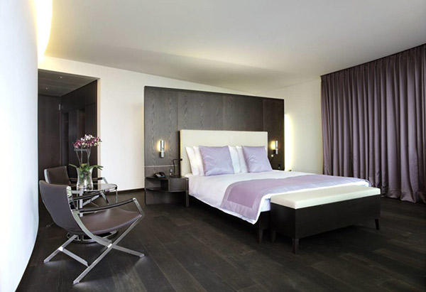 Phòng ngủ phong cách Hitech đơn giản nhưng đảm bảo sự tiện nghi, hiện đại