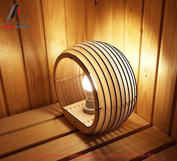 Giá đèn ngủ để bàn với hình vòm chắc chắn