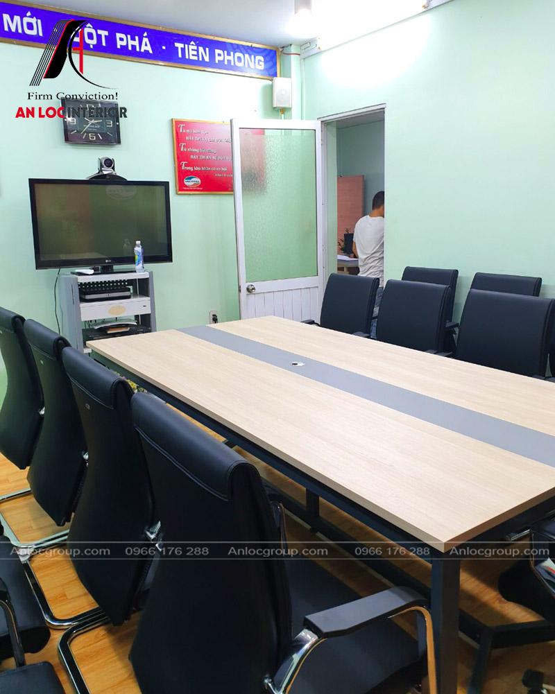 Lắp đặt bàn ghế phòng họp Viettel thị xã Buôn Hồ