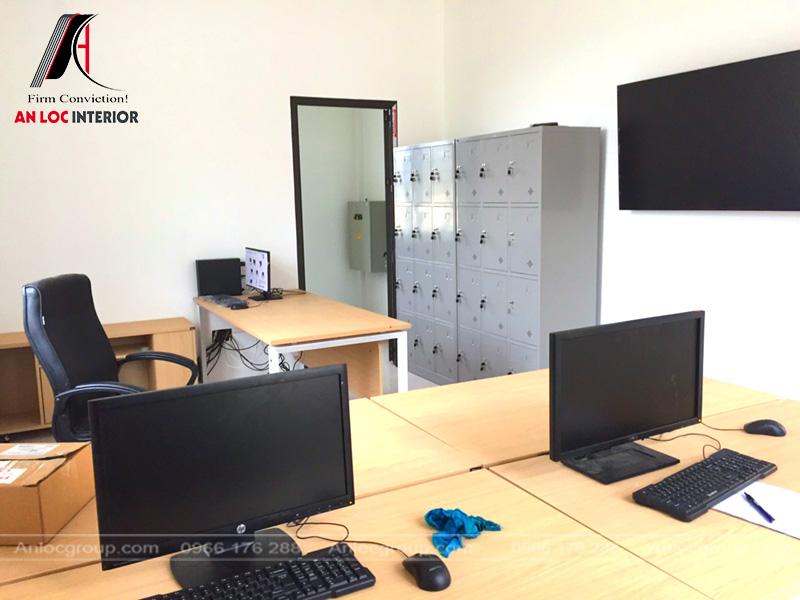 Tủ đựng đồ được trang bị trong phòng làm việc