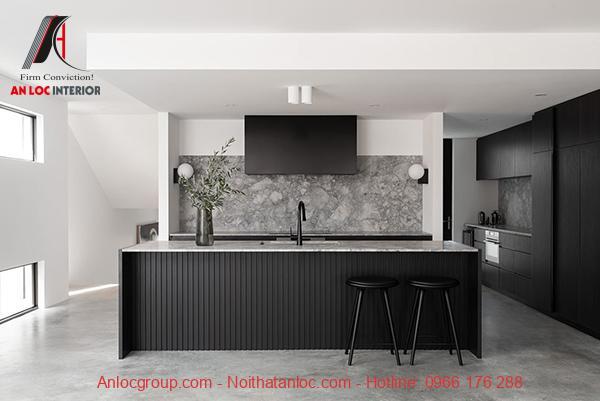 Phòng bếp nổi bật với gam màu đơn sắc