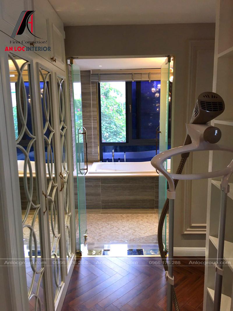 Cửa kính rộng mở mang đến không gian sinh hoạt mới