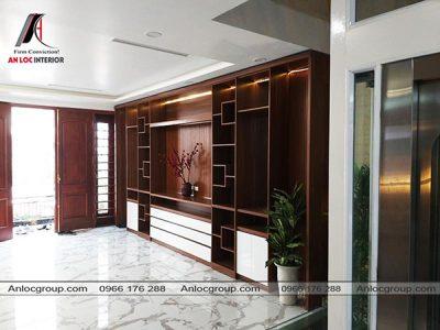 Thiết kế tủ gỗ âm tường bằng màu gỗ sang trọng