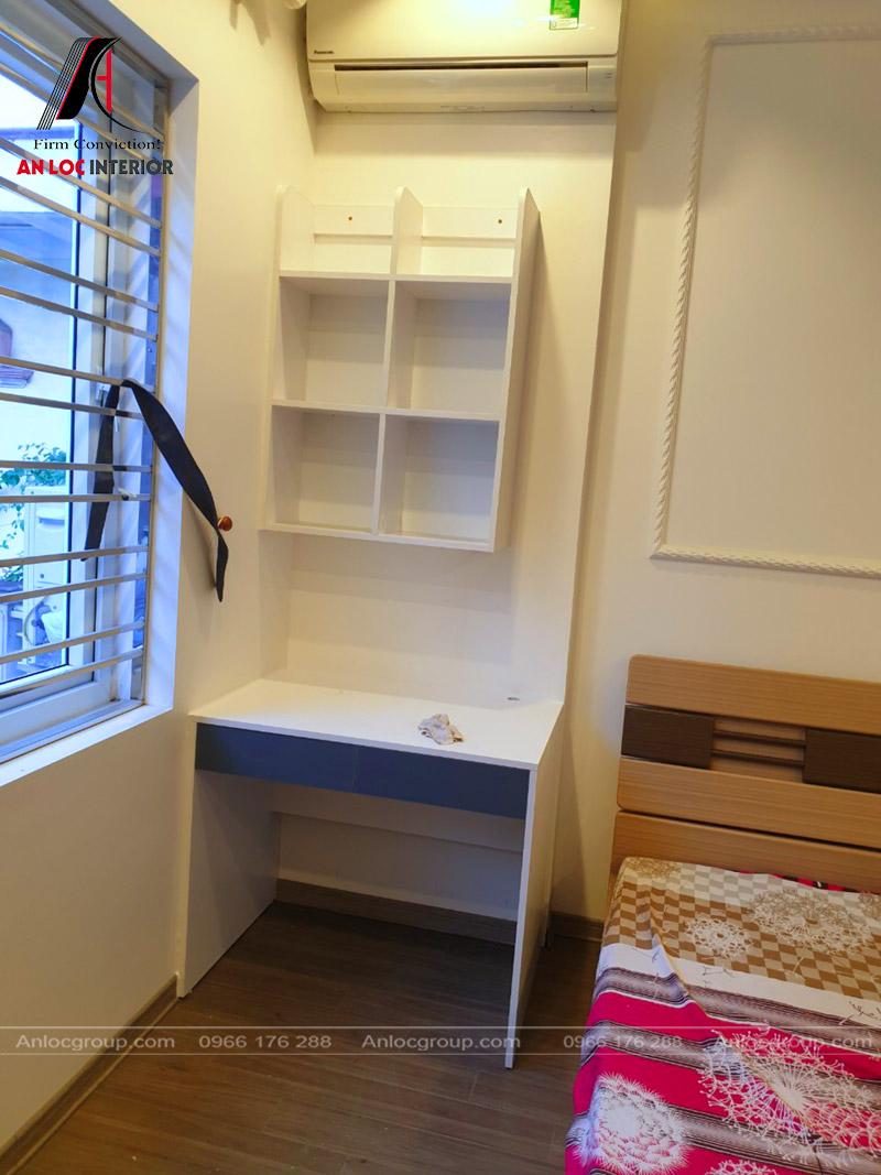Nội thất phòng ngủ con với đồ nội thất tông trắng tranh nhã, cuốn hút